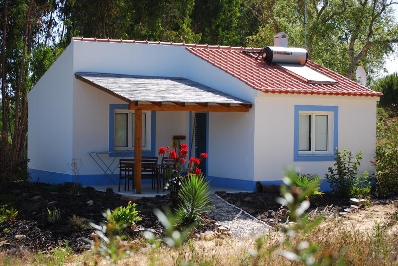 ferienhaus im portugal f r ihren ferien in alentejo. Black Bedroom Furniture Sets. Home Design Ideas